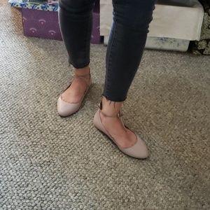 Born Kharen Wraparound Lace Ankle Flat sz 7